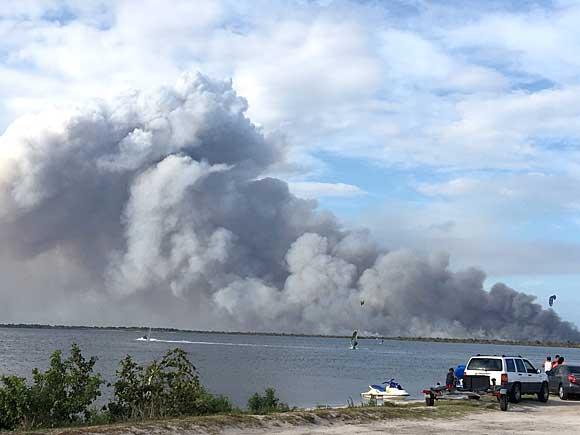 MERRITT-ISLAND-FIRE-580-1
