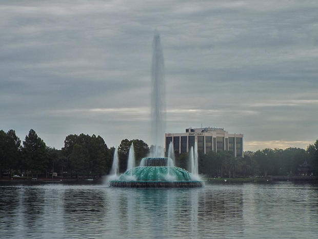 lake-eola-fountain