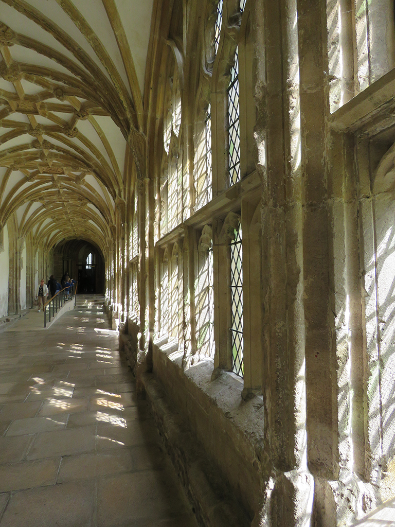 06_Wells-Cathedral_05